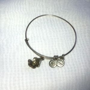 Alex and Ani Clam & Pearl bracelet